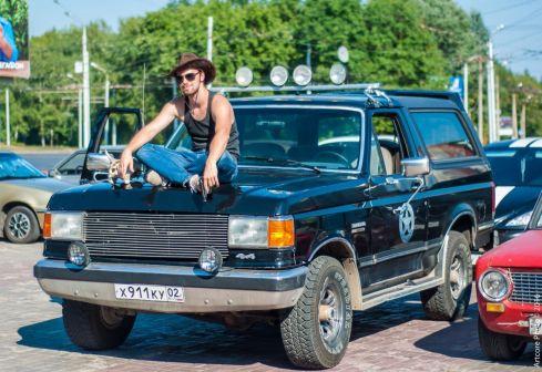 Ford Bronco 1989 - отзыв владельца