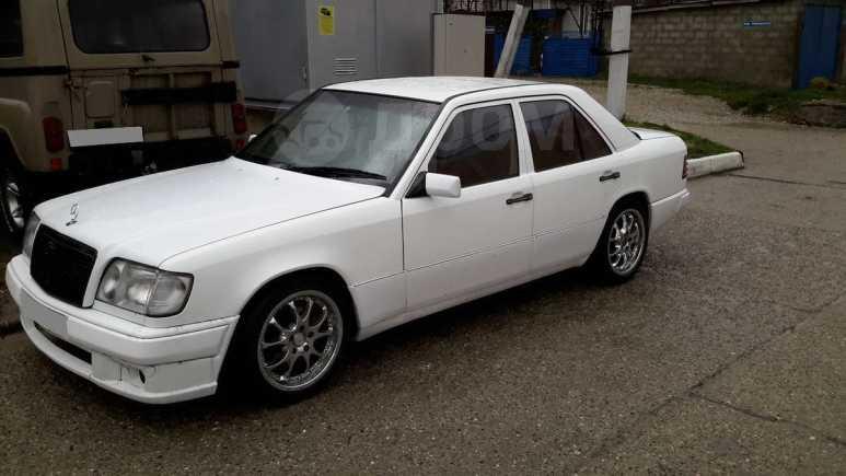 Mercedes-Benz E-Class, 1991 год, 230 000 руб.
