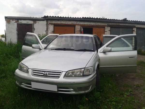 Toyota Camry, 2000 год, 333 000 руб.