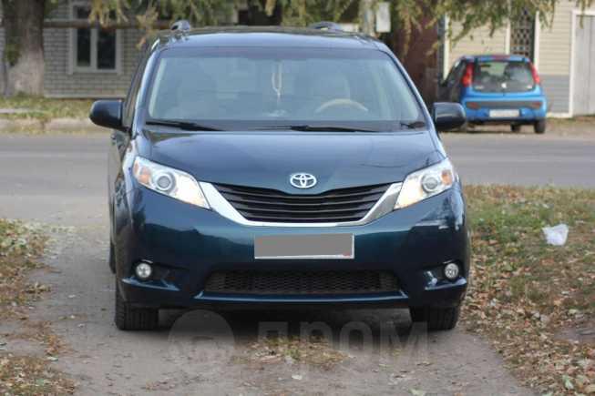 Toyota Sienna, 2011 год, 1 390 000 руб.