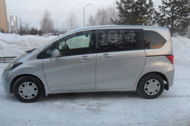 Honda Freed, 2010 год, 635 000 руб.