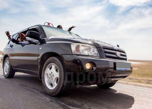 Toyota Kluger V, 2003 год, 680 000 руб.
