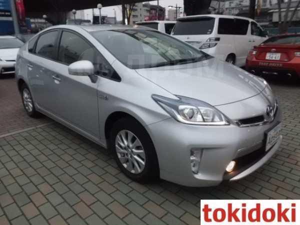 Toyota Prius PHV, 2014 год, 870 000 руб.