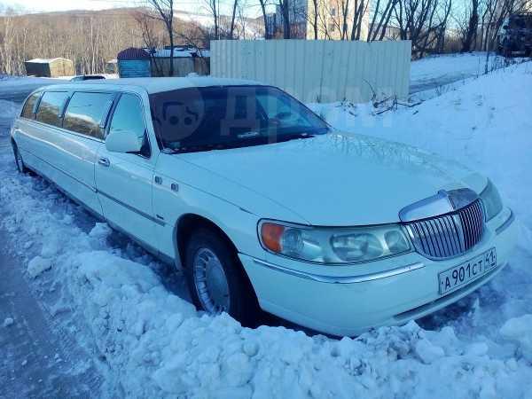 Lincoln Town Car, 2001 год, 500 000 руб.