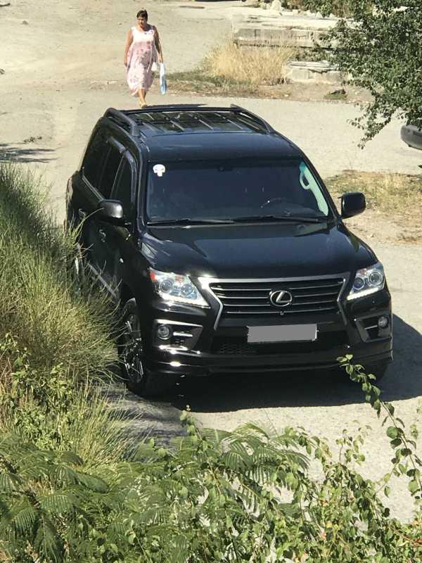 Lexus LX570, 2011 год, 2 600 000 руб.