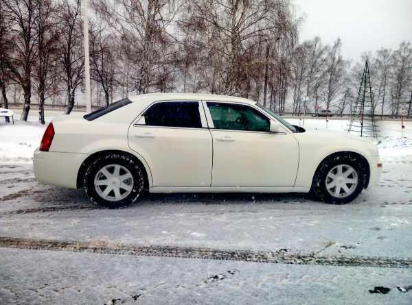 Chrysler 300C, 2005 год, 585 000 руб.