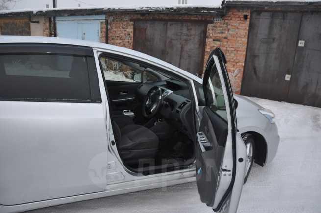 Toyota Prius a, 2012 год, 799 999 руб.