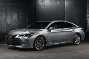 В США показали новый Toyota Avalon