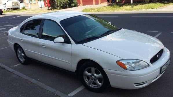 Ford Taurus 2004 - отзыв владельца