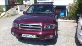 Nissan Pathfinder, 2001