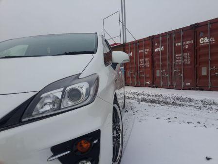 Toyota Prius 2012 - отзыв владельца