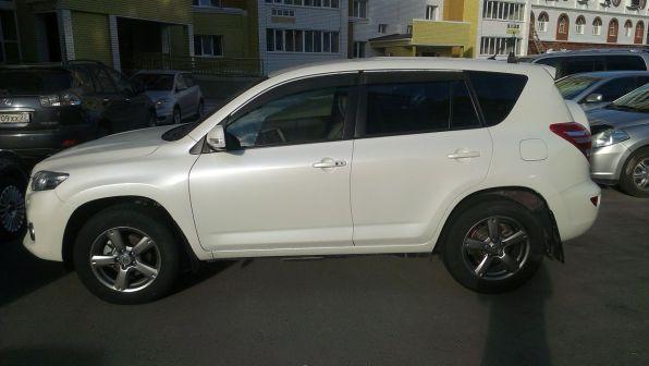 Toyota RAV4 2011 - отзыв владельца