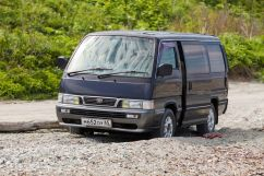 Nissan Caravan, 1997
