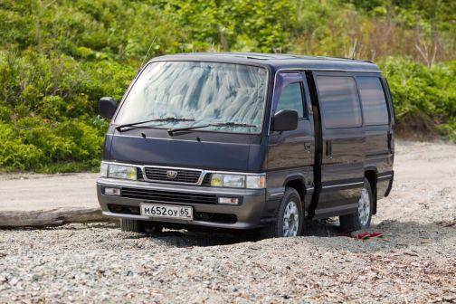 Nissan Caravan 1997 - отзыв владельца