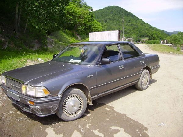 Toyota Crown, 1990 год, 88 000 руб.