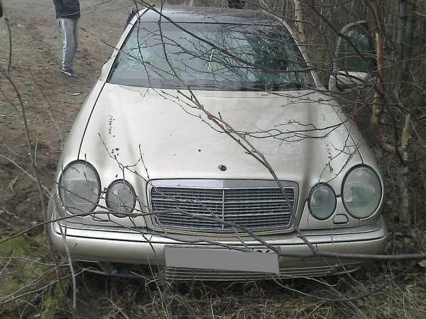 Mercedes-Benz E-Class, 1998 год, 100 000 руб.