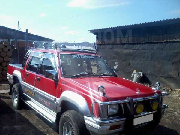 Mitsubishi Strada, 1994 год, 400 000 руб.