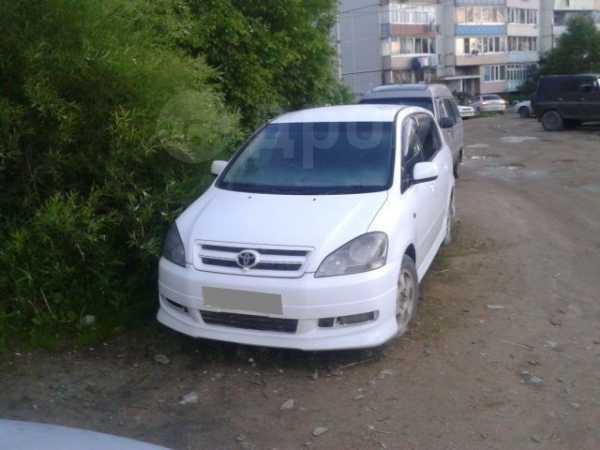 Toyota Ipsum, 2001 год, 290 000 руб.