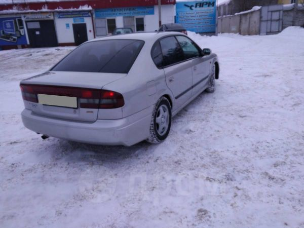Subaru Legacy B4, 2000 год, 240 000 руб.