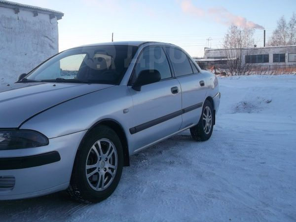 Mitsubishi Carisma, 2002 год, 155 000 руб.