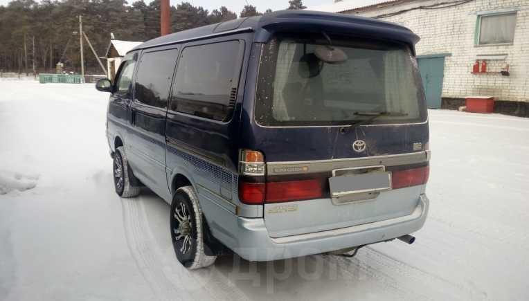 Toyota Hiace, 2003 год, 599 000 руб.