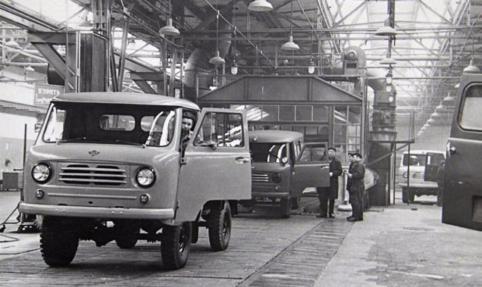 Кто в сша впервые внедрил конвейер на производстве серийного автомобиля астон элеватор на дону