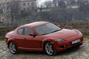 Mazda помнит RX-8: В России отзовут почти 150 машин из-за риска утечки топлива