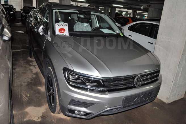 Volkswagen Tiguan, 2018 год, 2 147 700 руб.