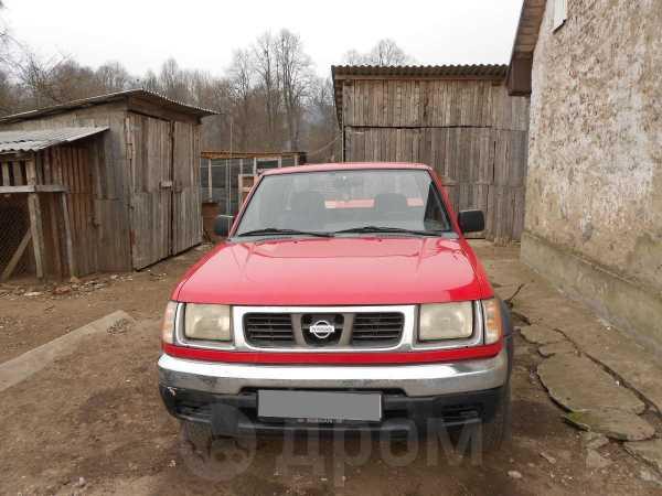 Nissan Navara, 2000 год, 270 000 руб.