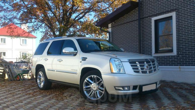 Cadillac Escalade, 2012 год, 1 600 000 руб.