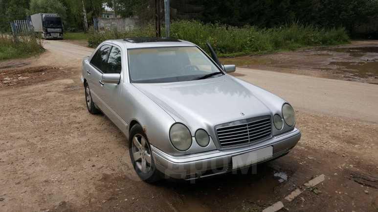 Mercedes-Benz E-Class, 1999 год, 200 000 руб.