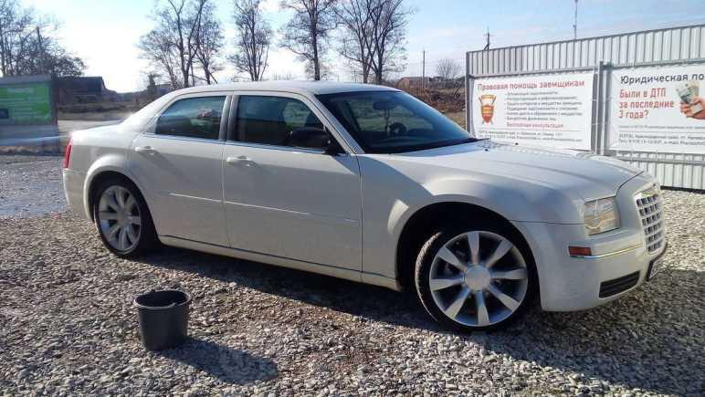 Chrysler 300C, 2004 год, 580 000 руб.