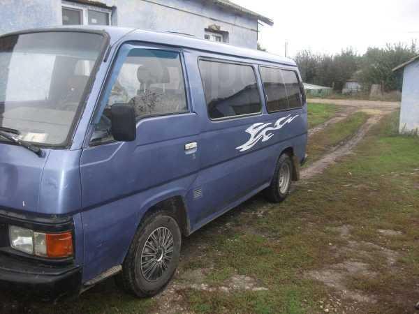 Nissan Urvan, 1989 год, 120 000 руб.