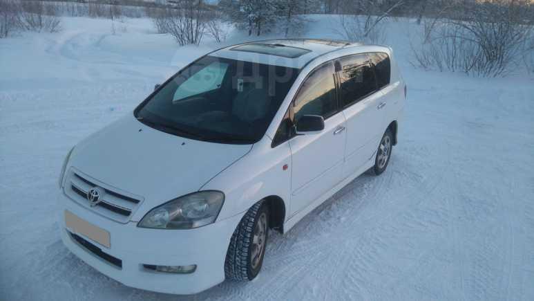Toyota Ipsum, 2002 год, 497 000 руб.