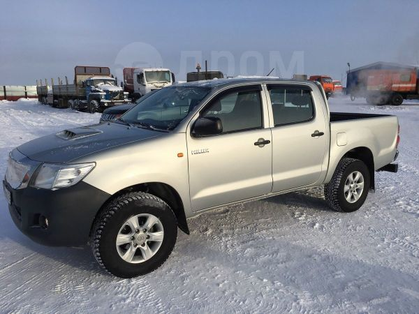 Toyota Hilux Pick Up, 2013 год, 1 000 000 руб.