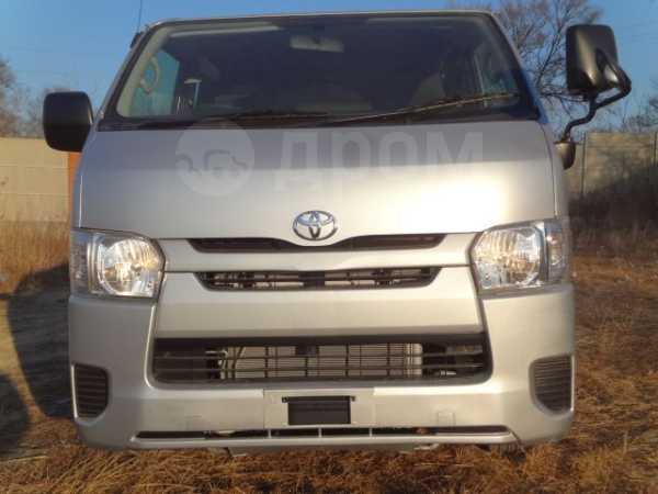 Toyota Hiace, 2016 год, 1 870 000 руб.