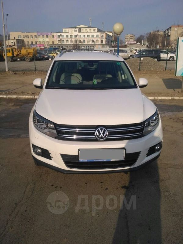 Volkswagen Tiguan, 2012 год, 970 000 руб.