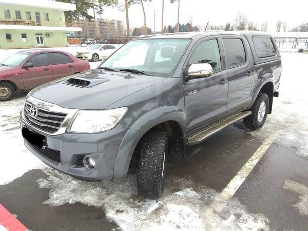 Toyota Hilux Pick Up, 2014 год, 1 040 000 руб.