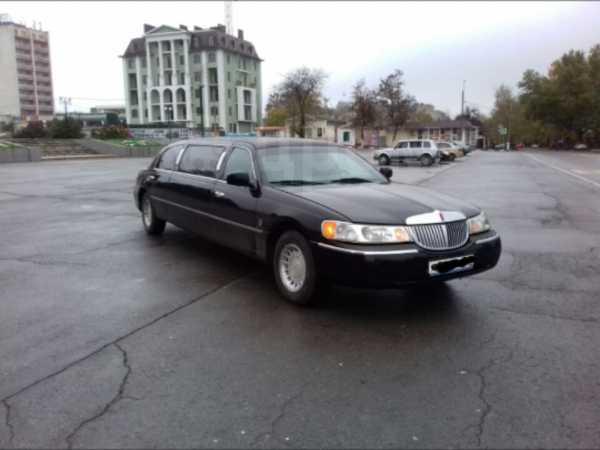 Lincoln Town Car, 2000 год, 320 000 руб.