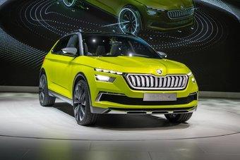 ДВС Skoda Vision X способна потреблять как бензин, так и метан. Машина может работать как гибрид или как чистый электромобиль.