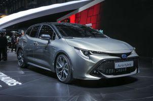 Toyota Auris в новом поколении получила яркий дизайн и лишилась дизелей