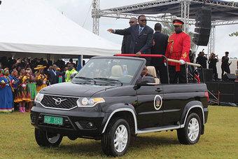 Парадные Патриоты были сделаны по заказу Намибии на УАЗе в 2017 году.