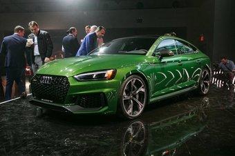 Audi RS5 Sportback оснащен 2,9-литровым бензиновым V6 мощностью 444 л.с.