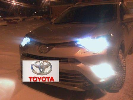Toyota RAV4 2017 - отзыв владельца