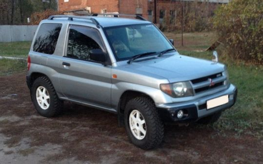 Mitsubishi Pajero iO 1999 - отзыв владельца