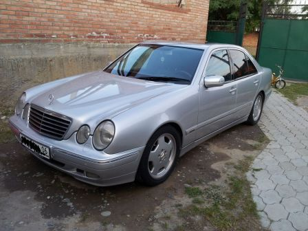 Mercedes-Benz E-Class 2000 - отзыв владельца