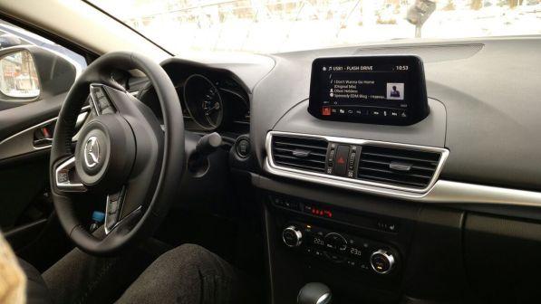 Mazda Mazda3 2017 - отзыв владельца