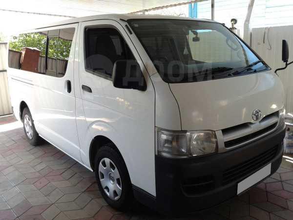 Toyota Hiace, 2004 год, 700 000 руб.