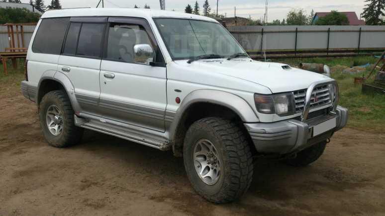 Mitsubishi Pajero, 1997 год, 300 000 руб.