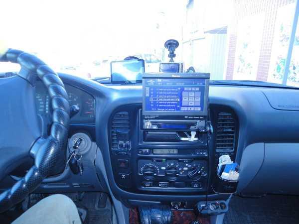 Toyota Land Cruiser, 2000 год, 777 000 руб.